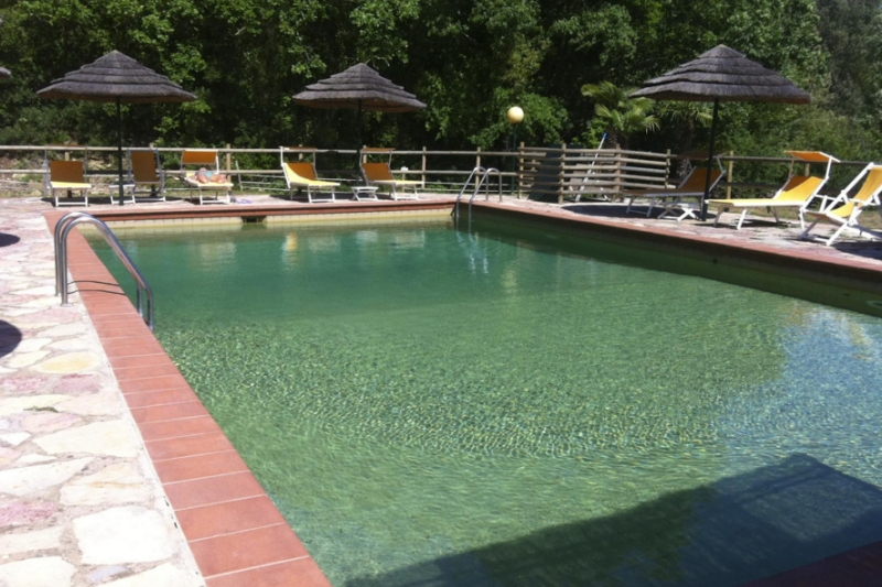 April und mai toskana angebot agriturismo pool campo for Pool im angebot